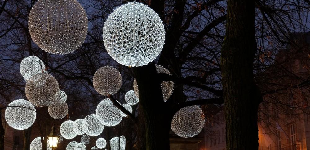 Weihnachtsbeleuchtung Promenadeplatz München
