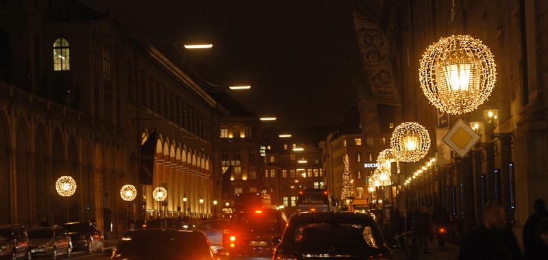 Weihnachtsbeleuchtung München Maximilianstrasse