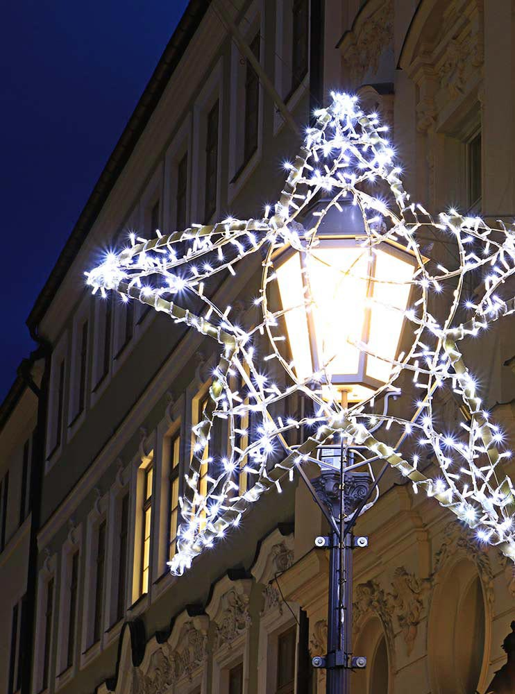 Professionelle Weihnachtsbeleuchtung Außen