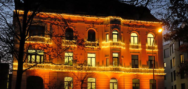 Weihnachtsbeleuchtung für Gebäude und Plätze