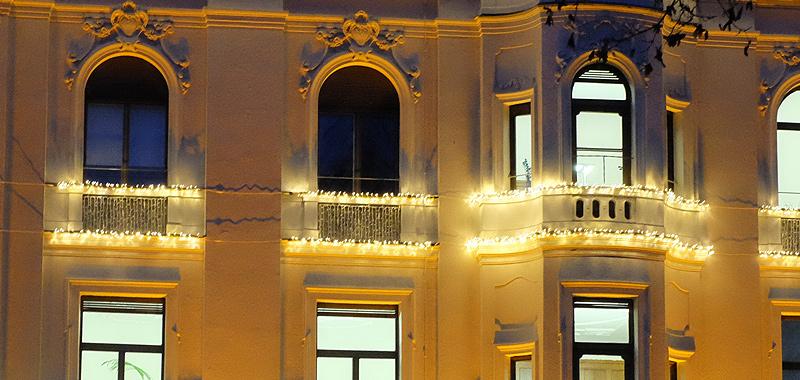 Exklusive Weihnachtsbeleuchtung für Fassaden