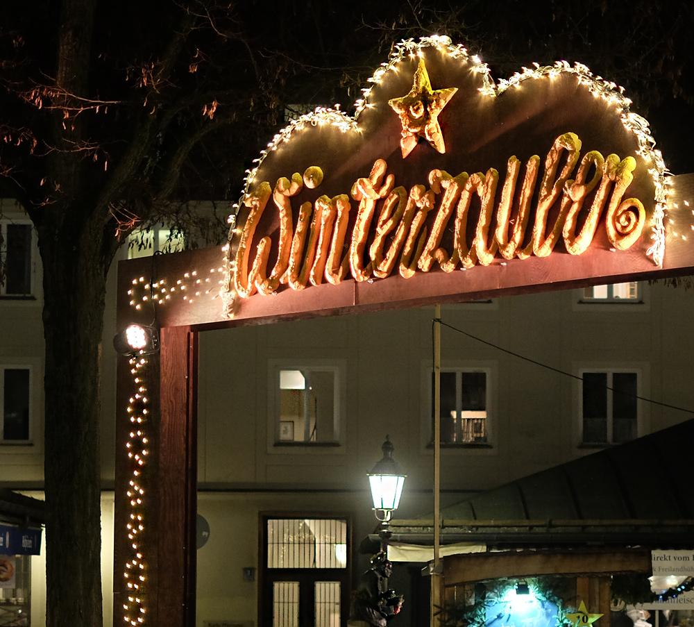 Weihnachtsbeleuchtung für den Münchner Vikualienmarkt